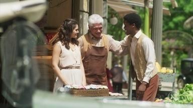 Helena e Geraldo vendem geleias de Pepito - Pepito admira Helena e comemora sucesso de geleias