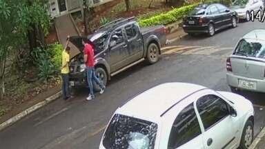 Ladrões roubam carros anunciados na internet - Os bandidos se passam por comprador e levam o carro quando pedem para testar os veículos.