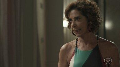 Lígia fica chocada ao saber do envolvimento de Maria Pia com Malagueta - Maria Pia diz que ama Malagueta e ironiza o fato de toda sua família estar com problemas na justiça
