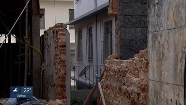 Muro desaba e provoca morte em obra na Região Centro-Sul de Belo Horizonte - Incidente aconteceu na Rua Campanha, no bairro Carmo, onde um prédio é construído.