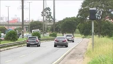 Parte dos três mil radares das rodovias federais está desligada - Segundo Dnit, problema de orçamento foi resolvido, mas licitações para implantação dos radares está sendo questionadas na Justiça.
