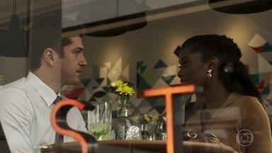 Bruno não gosta de saber que Raquel passará o Natal no Quilombo - A juíza aconselha o ex-namorado a passar a data com a esposa