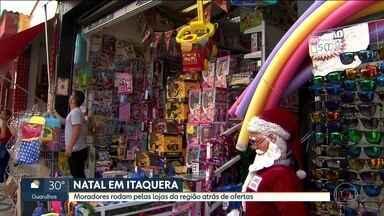 Paulistanos fazem compras de Natal na Zona Leste - Moradores rodam pelas lojas da região de Itaquera atrás de ofertas.