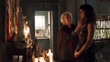 Mercedes alerta Clara para tomar cuidado com sua vingança - Clara visita Mercedes e Josafá