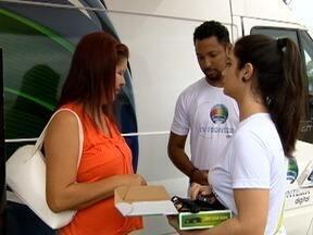 Estação Digital da TV Fronteira esclarece dúvidas de telespectadores de Martinópolis - Equipe da emissora orientou sobre a mudança do sinal analógico para o digital.