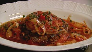 'Prato Feito' ensina receita de filé com molho de tomate para ceia de fim de ano - Confira os ingredientes e o passo a passo.