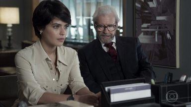 Natanael leva Adriana para trabalhar no escritório de Patrick - A advogada fica feliz com a oportunidade