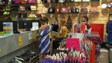Comércio de Fortaleza tem grande movimentação em dia de troca de presentes - Confira outras notícias em G1.globo.com/ce