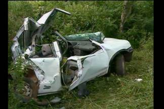 Acidente na ERS-307 entre um carro e um ônibus deixa uma mulher ferida - Segundo a PRE a motorista de 55 anos teria perdido o controle do carro.