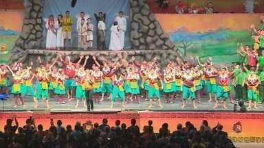 'Um Sonho de Natal' encerra apresentações, no AM - Além dos artistas que atuam no palco e na recepção, 'Um Sonho de Natal' conta com mais de dois mil voluntários que trabalham em cada detalhe do espetáculo.