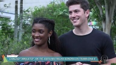 Erica Januzza e Caio Paduan encontram Tiê - A música da cantora, 'Amuleto', embala o romance dos personagens dos atores em 'O Outro Lado do Paraíso'