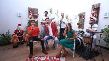 """Natal do 'Combinado' tem partipação de ex-The Voices sergipanos - Confira a canção """"Natal Todo Dia"""" nas vozes de João Pedro Borges, George Sants e Emellyn Syang, ex-The Voices."""