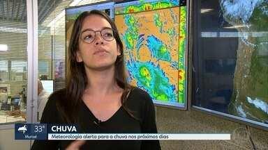 Chuva deve voltar a Belo Horizonte na virada do ano - Previsão também vale para grande parte do estado