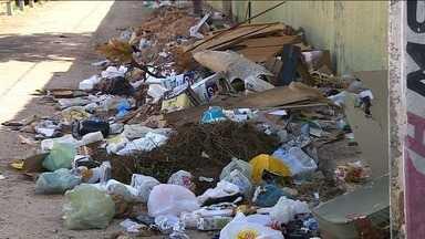 Ruas de Aracaju registram descarte de lixo irregular - Ruas de Aracaju registram descarte de lixo irregular.