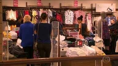 Vendas de Natal em shoppings crescem 5% - As compras nesse final de ano movimentaram R$ 147,5 bilhões. O segmento que mais teve avanço foi o de brinquedos.