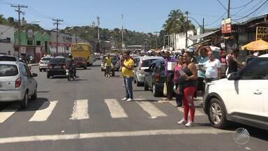 Filas na capital: veja o movimento e o esquema montado no sistema ferry boat - A movimentação é intensa desde a manhã desta quarta (27) no terminal de Salvador.