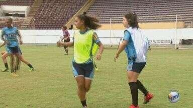 Atletas da Ferroviária são convocadas para disputar campeonato sul-americano sub-20 - Zagueira Luana e volante Juliana representaram o país no torneio que será realizado nos dias 13 a 31 de janeiro, no Equador.