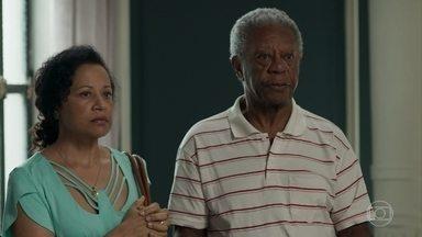 Madalena e Cristóvão tomam decisão sobre crime de Sabine - Dom pede calma para Sabine, que fica ansiosa para saber a decisão do casal