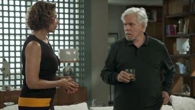 Athaíde e Lígia conversam sobre a tornozeleira eletrônica - O marido de Lígia diz estar confiante e diz que tudo vai dar certo