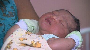 Primeiro bebê de 2018 em Manaus nasce em casa - Júnior deveria ter nascido no dia 16 de janeiro, mas chegou no dia primeiro do ano.