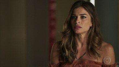 Lívia decide chamar Natanael para ajudar Sophia - O advogado afirma que vai resolver o problema da cunhada
