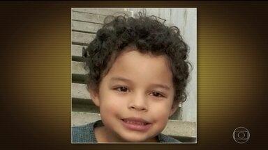 Preso suspeito dos disparos que mataram menino no réveillon em SP - A polícia quer fazer um exame balístico para saber se os tiros que mataram o menino Arthur, de 5 anos, saíram da arma apreendida com o suspeito.
