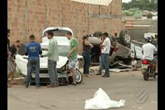 Acidente em Parauapebas deixa dois carros destruídos - O estrago causado na batida foi grande.