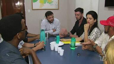 Reunião entre comerciantes e a Prefeitura discute transtornos na obra da avenida Tapajós - A reunião aconteceu depois do envio de ofícios para a Prefeitura, pedindo providências para o fim da poeira e buracos que se formaram no trecho.