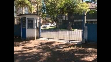 Alunos e funcionários da Escola Estadual Cilon Rosa são vítimas de assalto em Santa Maria - Três assaltos aconteceram no período de uma semana. O caso mais recente ocorreu no pátio da escola.