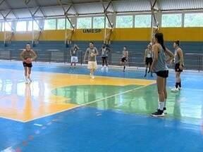 João Paulo Tilio traz os destaques do esporte na região de Presidente Prudente - Copa São Paulo de Juniores em Osvaldo Cruz e argentinas no basquete em Presidente Venceslau estão na agenda.