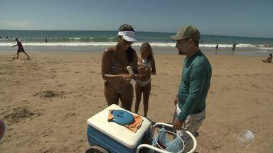 Alerta: cerca de 14 mil toneladas de lixo foram recolhidas das praias de Salvador - Veja no quadro da previsão do tempo.