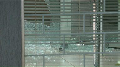 Após tentativa de roubo a banco, moradores de Graciosa pedem segurança - Comerciantes reclamam de 'onda de assaltos' no distrito de Paranavaí.