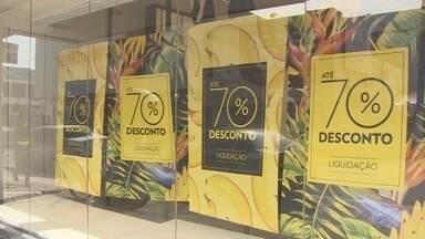 Comércio de Macapá inicia temporada de promoções - Quem guardou dinheiro no fim de ano, vai poder comprar com bons descontos. Tem lojas ofertando até 70% de desconto.