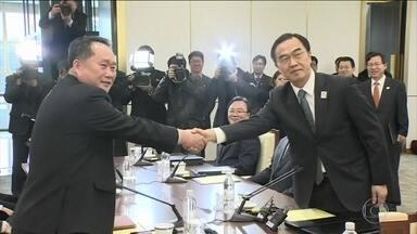Coreias do Norte e do Sul se reaproximam através do esporte - Em rara negociação direta, o governo norte-coreano concordou em mandar uma delegação à Olimpíada de Inverno, que será realizada na Coreia do Sul.