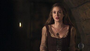 Amália assume para a família que não ama Virgílio - Ela diz manteve o relacionamento por tempo demais
