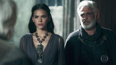 Demétrio comunica Augusto sobre o falecimento do príncipe Afonso - Catarina teme o trono de Montemor nas mãos de Rodolfo