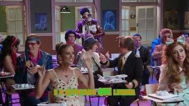 Aula de música: Alunos fazem paródia de 'A Banda', de Chico Buarque - Dessa vez até o Professor gostou!