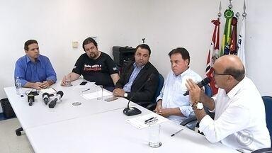 Secretário de Desenvolvimento presta esclarecimento sobre licitação de aplicativo - O Secretário de Desenvolvimento Econômico de São José do Rio Preto (SP) prestou esclarecimento aos vereadores sobre a licitação do aplicativo da Área Azul digital.