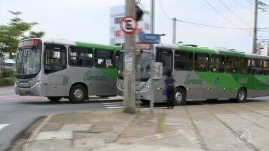 Crespo assina contrato de implantação do BRT em Sorocaba - O prefeito José Crespo (DEM) assinou na manhã desta segunda-feira (15) o contrato para a implantação do Bus Rapid Transit (BRT) em Sorocaba (SP). O sistema de transporte de passageiros irá proporcionar viagens mais rápidas, confortáveis e eficientes na cidade.
