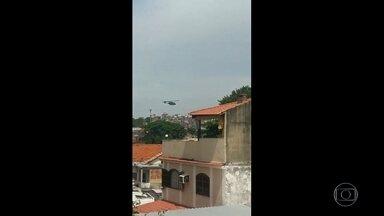 Corregedoria vai investigar uso de helicóptero no Jacarezinho - Tiros de policiais civis quase atingiram a base da UPP na comunidade. Policiais buscam suspeitos de matar o delegado Fábio Monteiro, na última sexta-feira.