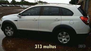 Carro com mais de R$ 50 mil em multas é apreendido - O proprietário já foi multado 313 vezes.