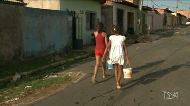 Moradores do Itaqui Bacanga sofrem com a falta de água, em São Luís - Vários bairros da região estão sem água nas torneiras nos últimos dias.