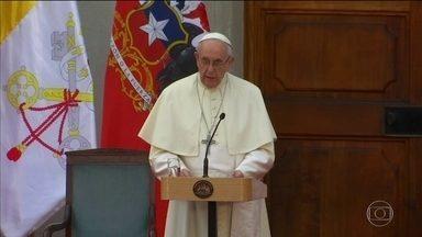 Em visita ao Chile, Papa Francisco pede perdão por pedofilia na igreja - Papa foi criticado por nomear bispo acusado de ter tentado acobertar ações de padre chileno condenado por abuso de menores.