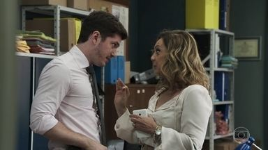 Nádia insiste em jantar com Raquel - Bruno promete à namorada que, se a mãe não se comportar, será a última tentativa de aproximação