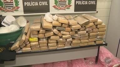Polícia Civil faz apreensão de drogas e prende casal no Parque Shalon, em Campinas - Casal tinha filho de cinco anos em casa.