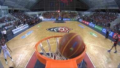 Time de basquete do Vitória perde do Flamengo no ginásio de Cajazeiras, pelo NBB - O rubro-negro baiano estava invicto dentro de casa.