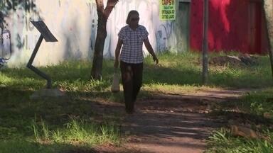 Após 1 ano, Redação Móvel volta Taguatinga conferir estado de calçadão - Há um ano, a equipe da Redação Móvel esteve em Taguatinga para conferir a situação do calçadão do Pistão Norte. Atualmente, o cenário é quase o mesmo.