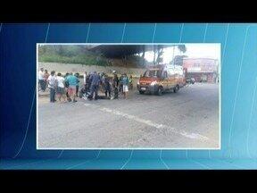 Motociclista cai de viaduto de 5 metros e fica gravemente ferida em Governador Valadares - Causas do acidente serão investigadas.
