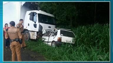 Quatro pessoas morrem em acidente na PR-218 - Foi entre Guapirama e Joaquim Távora.