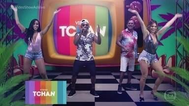 É o Tchan lançam música no 'Vídeo Show' - Confira o clipe de 'A Coroa e a Novinha'